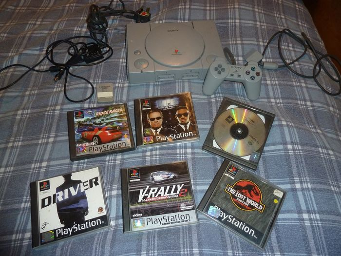 Sony Playstation 1 - Console with games (6)