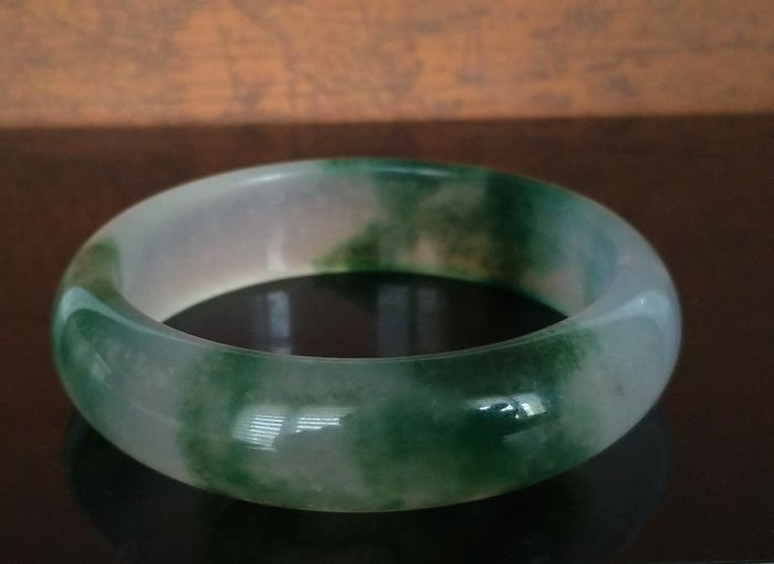 Serpentine group Beautiful Bracelets, Rings, Free Form - Bi Color - Translucent Green - 74×17×58 mm - 55 g - (1)