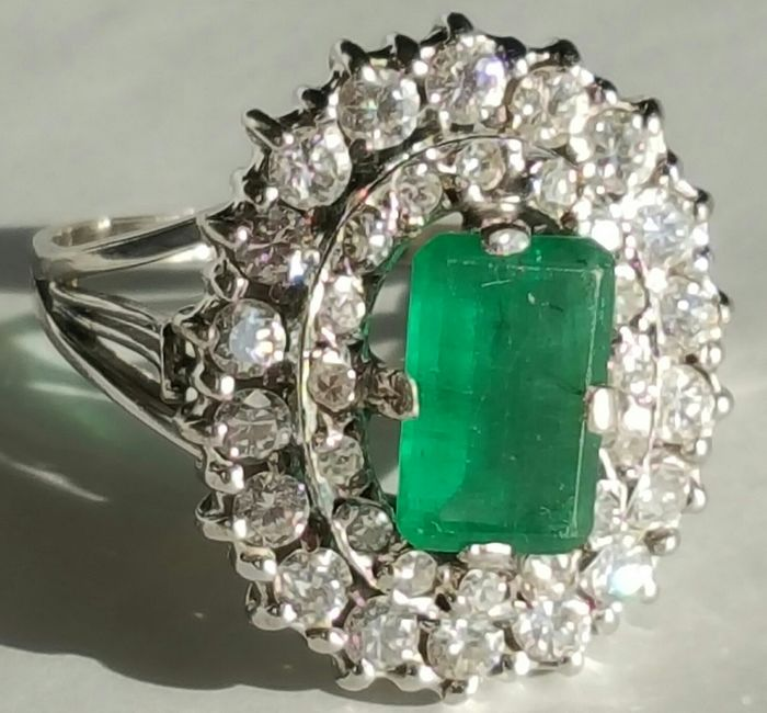 18 kt. White gold - Ring - 1.16 ct Emerald - Diamonds