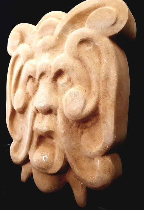 Great Mask Sculpture - Stone (mineral stone) - 1920-1949