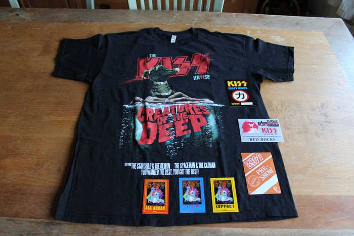 KISS - Tour T-Shirt + Backstage Passes - Articles de souvenirs officiels - 1990/2016