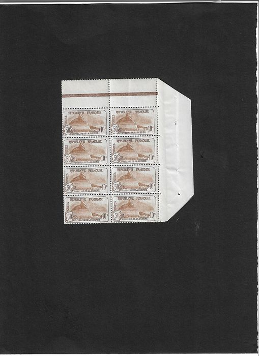 """France 1926/1926 - A lovely block of 8 """"For the benefit of orphans of war"""" - Yvert N° 230"""