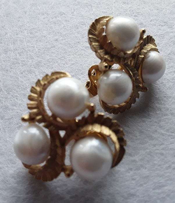 "TRIFARI CROWN copyright,book piece,""South seas""1958,Alfred Philippe gold plated trifarium&faux pearls - Earrings"