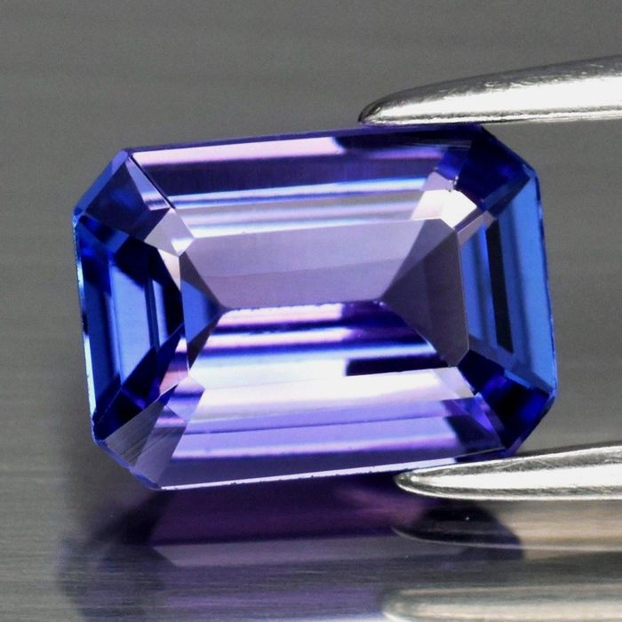 Blue, Purple Tanzanite - 3.26 ct