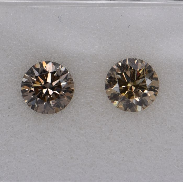 2 pcs Diamant - 0.68 ct - Rond - fancy brown - SI1, SI2, No Reserve Price!