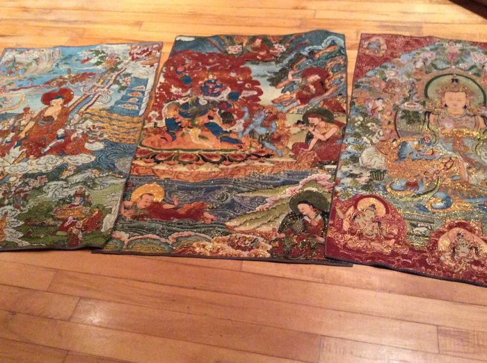Thangka (3) - Embroidery, Gold thread, Silk - Tibet - Second half 20th century