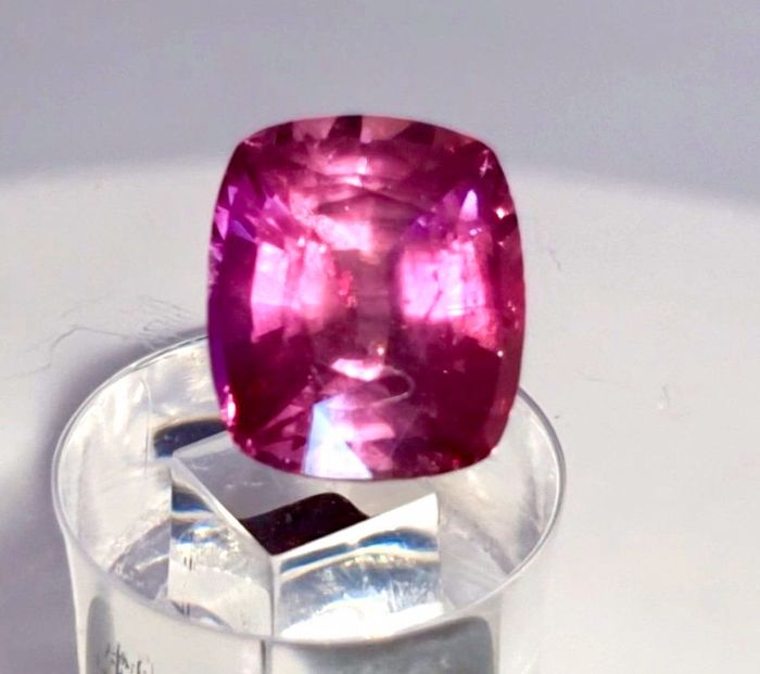 Pink Sapphire - 1.51 ct