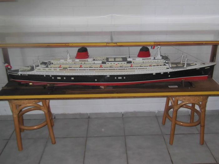 Ship model, SS France (1960) - Wood - Second half 20th century
