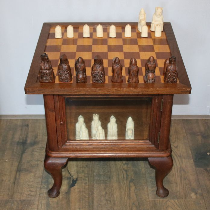 Chess table with Lewis chess pieces - Queen Anne Style
