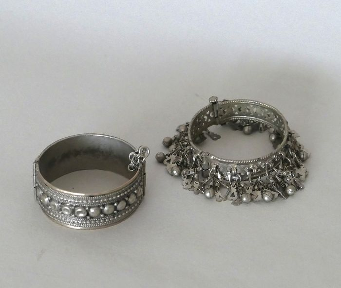 Bangles (2) - Silver - 800 - India / Middle East