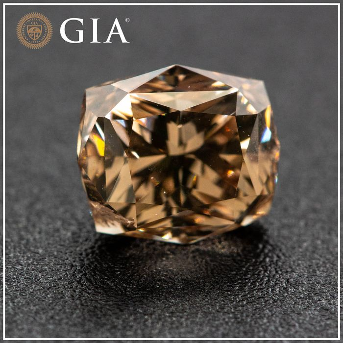 Diamante - 2.53 ct - Radiante - fancy yellowish brown - I1, GIA - No Reserve Price