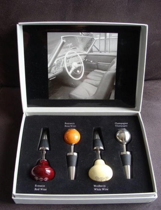 Collector's item Mercedes Benz - Mercedes-Benz Wine Stopper Classic Collection Box  - 2000-2000