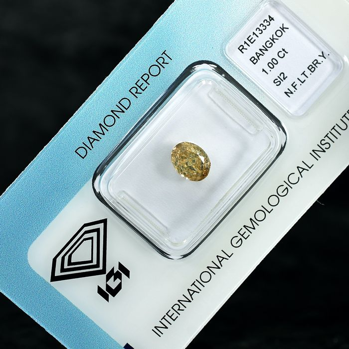 Diamond - 1.00 ct - Oval - Natural Fancy Light Brownish Yellow - Si2 - NO RESERVE PRICE