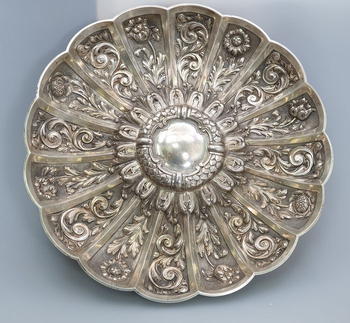 A DISPLAY SALVER - .833 silver - Portugal - Late 19th century