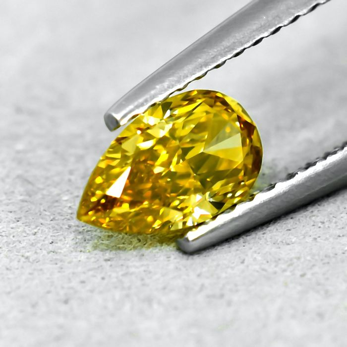 Diamond - 0.73 ct - Pear - Natural Fancy Intense Greenish Yellow - VVS2