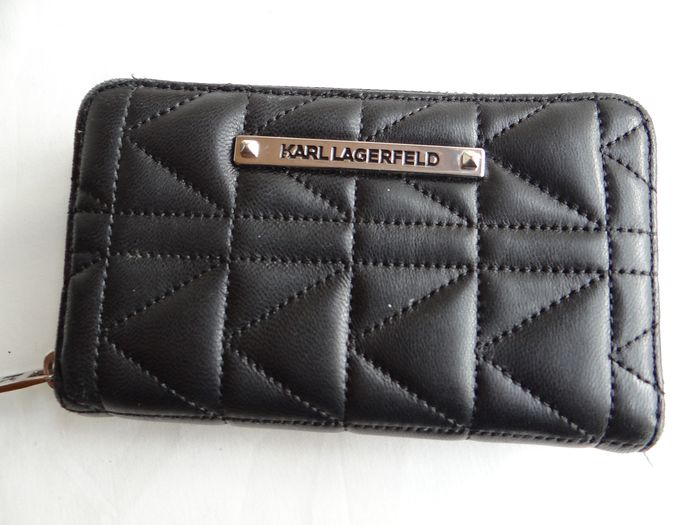 Karl Lagerfeld - quilted black leather Wallet