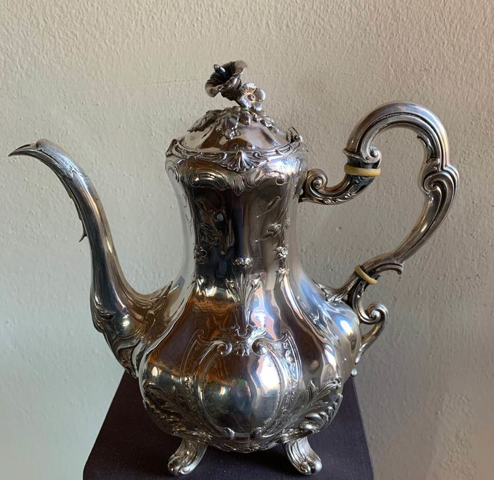 Coffee pot (1) - .950 silver - France - mid 19th century