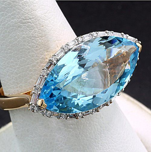 18 kt. Pink gold - Ring - 10.25 ct Cocktail ring with blue topaz, diamond baguettes and brilliant cut diamonds --- No minimum price