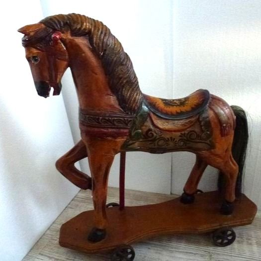 Horse on wheels - Iron (cast/wrought), Wood