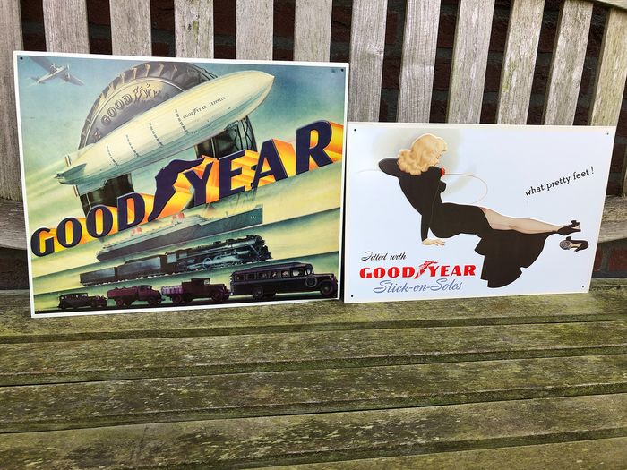 Decoratief object  - Good Year Tires. Stick-on-Soles. - AAA Sign Co, Coitsville. OH. - 1985-1993