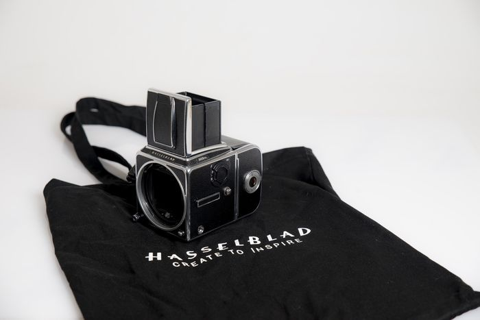 Hasselblad 503 cxi + A12