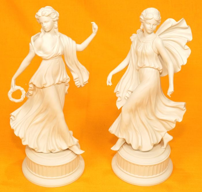 Martin Evans - Wedgwood - The Dancing Hours (2) - Biscuit porcelain