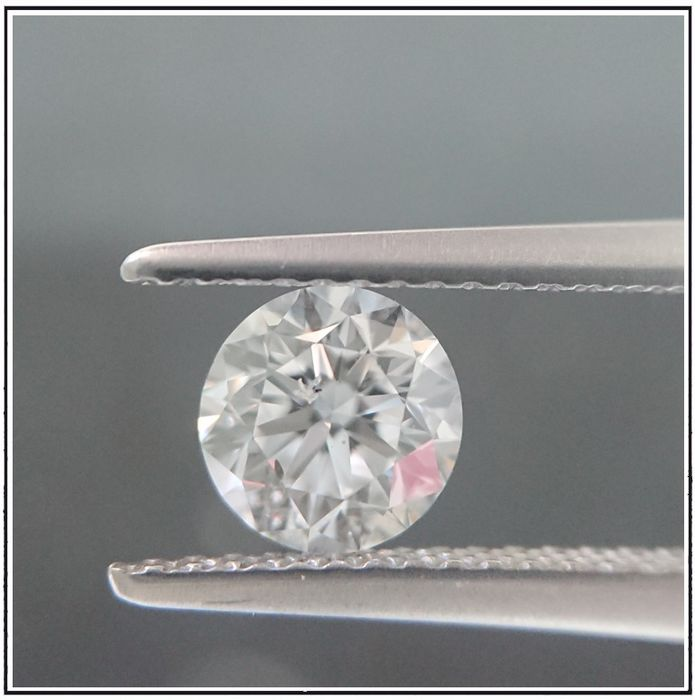 Diamond - 0.90 ct - Brilliant - D (colourless) - SI2
