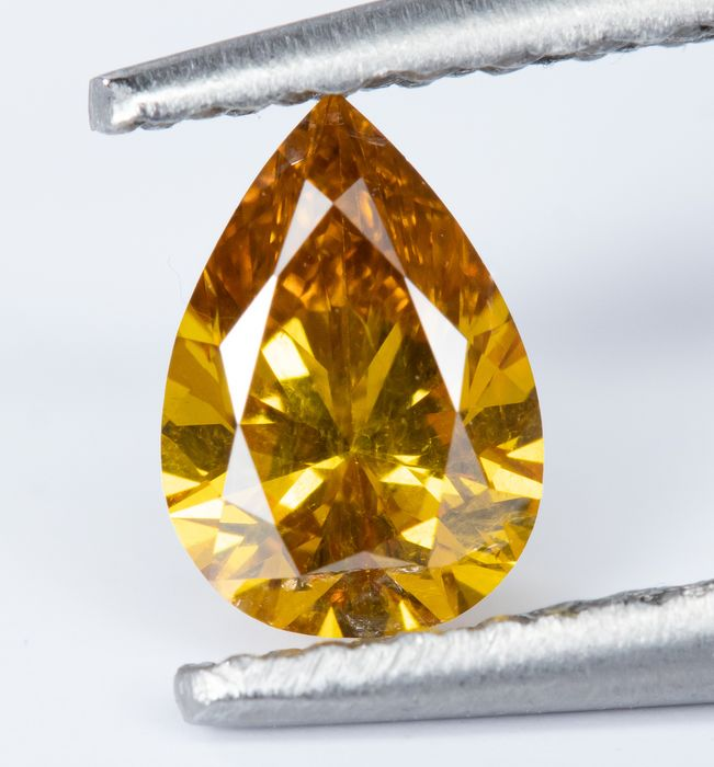 Diamond - 0.29 ct - Natural Fancy VIVID Orange-Yellow  - SI1  *NO RESERVE*