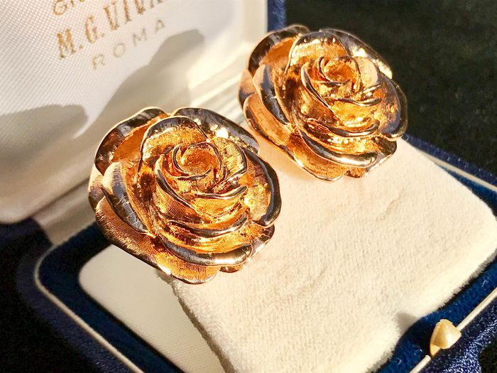 CAMROSE & KROSS - JACKIE KENNEDY - 24 kt. Gold-plated - Large Bloomed Rose Earrings