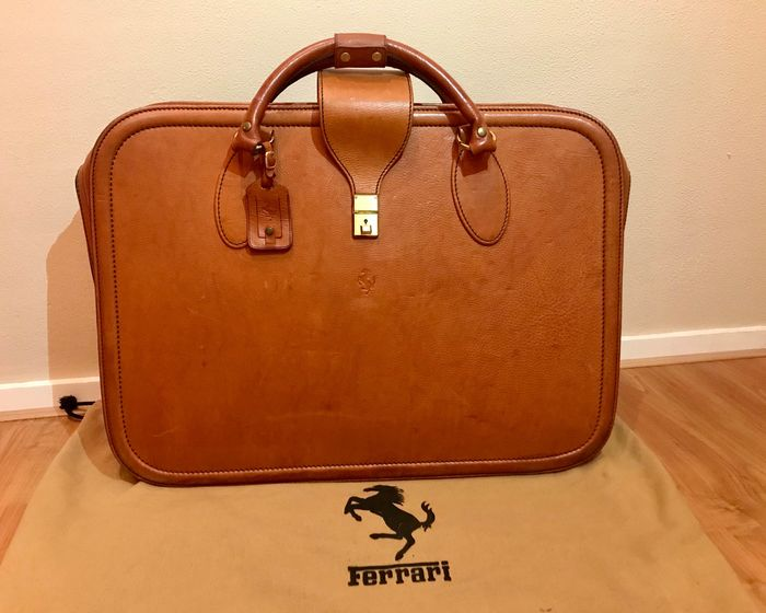 Deler - Ferrari, Schedoni - Original FERRARI 348 / F355 leather luggage by SCHEDONI - suitcase bag    - 1999-1990
