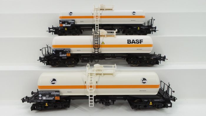 Roco H0 - 47357/67717/67718 - Freight carriage - 3 four-axle 'Eva' and 'BASF' tank wagons - DB