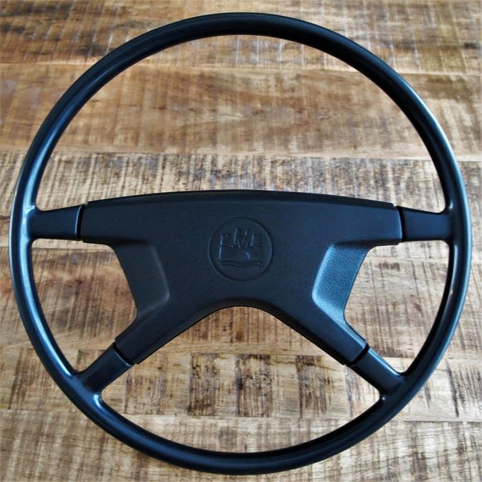 Original Wolfsburg VW Beetle / Karmann Ghia steering wheel. - Volkswagen - 1972