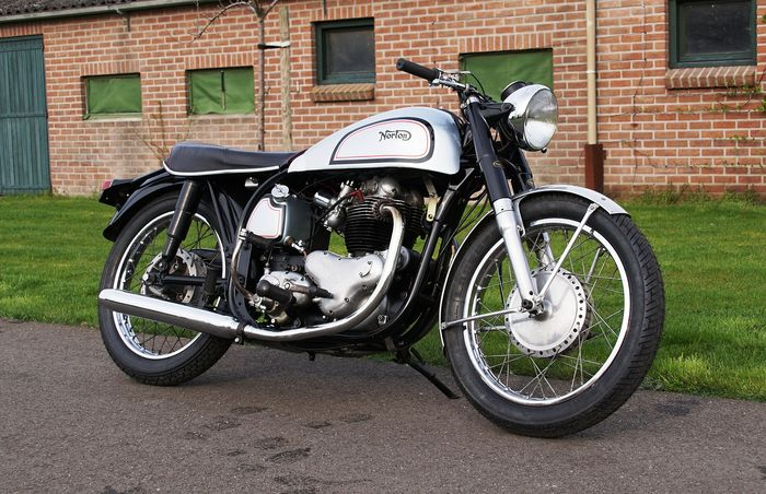 Norton - Model 99 - Dominator - 600 cc - 1956