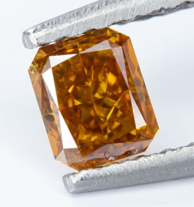 Diamond - 0.26 ct - Natural Fancy VIVID Yellow-Orange - SI2  *NO RESERVE*