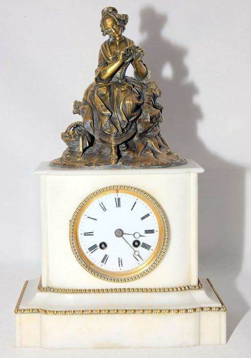 Longcase clock - Alabaster, Gilt bronze - Late 19th century