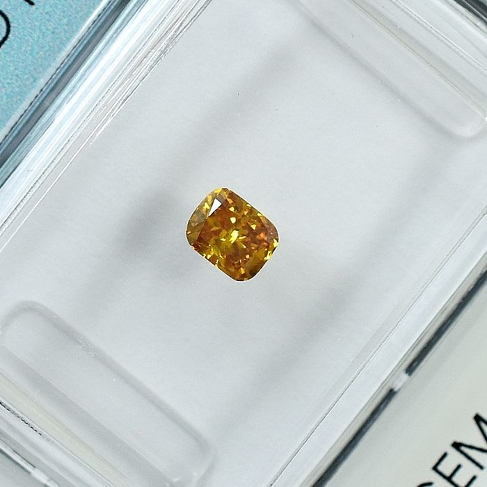 Diamond - 0.25 ct - Cushion - Natural Fancy Intense Orangy Yellow - SI2