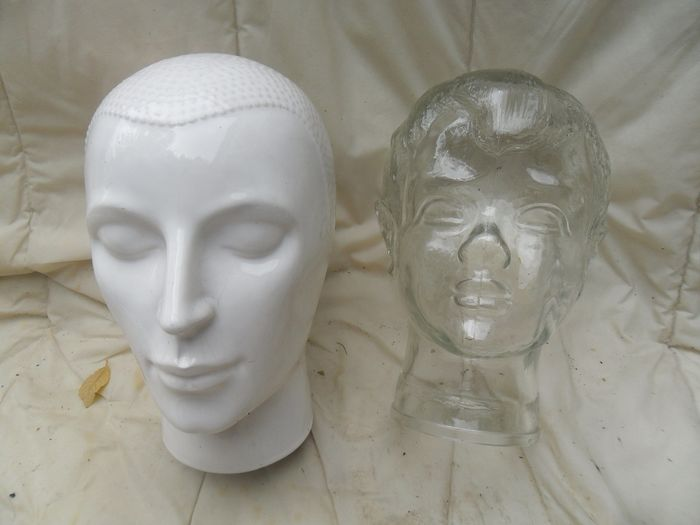 Two vintage Fashion Model Heads (2)