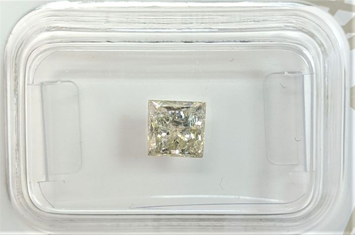 Diamond - 1.01 ct - Princess - light greenish yellow - I2, No Reserve Price