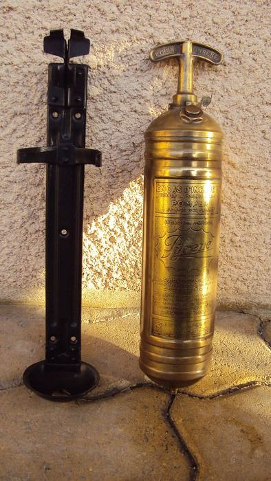 old fire extinguisher pyrené for car old year 1920/1940 - pyrené - 1920-1940