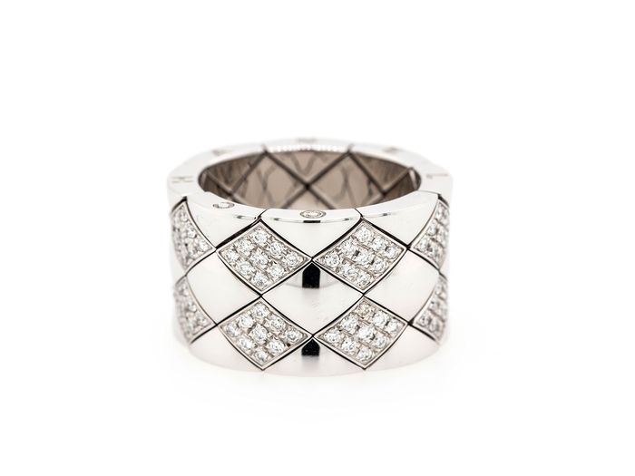 Chanel - 18 kt. White gold - Ring Diamond - Matelasse Diamond Gold Quilted Flexible Three Row Band Ring