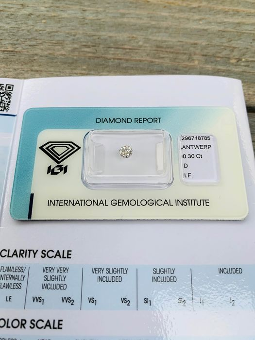 Diamond - 0.30 ct - Brilliant - D (colourless) - IF (flawless), LC (loupe clean)