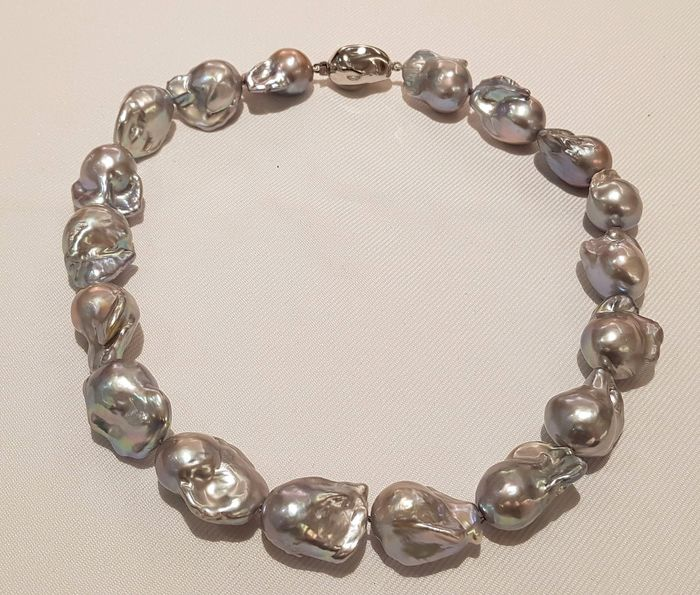 NO RESERVE PRICE - 925 Silver - 16x19mm Grey Cultured Pearls - Necklace