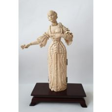 Dieppe - Triptych, a wealthy French Lady - Ivory - Second half 19th century