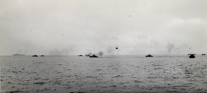 Unknown/US Navy Photograph - Allied Ships Transport Troops to French Coast, 1944