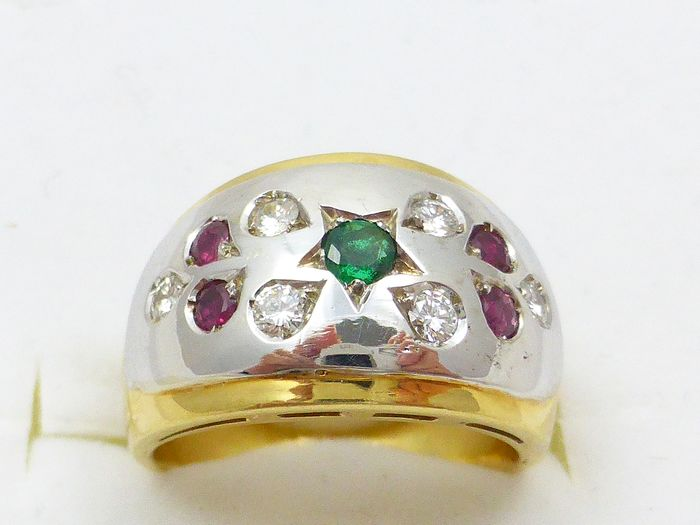 18 kt. White gold, Yellow gold - Ring - 0.37 ct Diamond - Emerald, Rubys