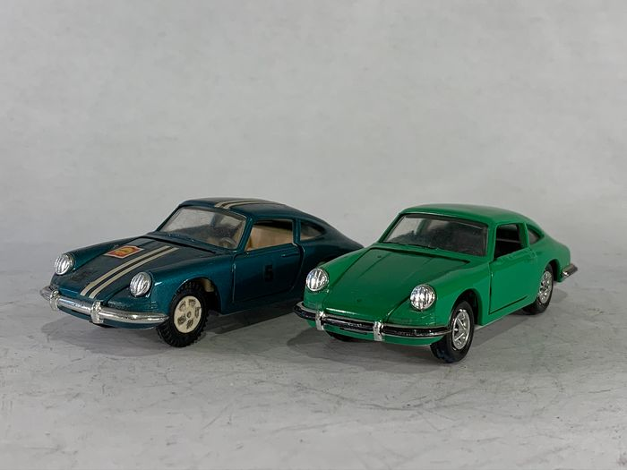 GAMA - 1:43 - 2x Porsche 911 models - Made in W. Germany
