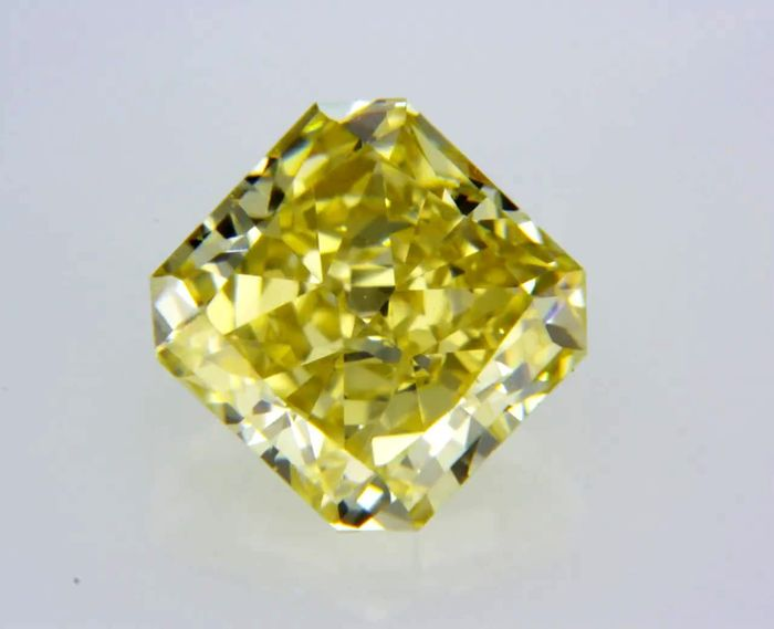 1 pcs Diamant - 0.54 ct - Radiant - fancy brownish yellow - VVS2