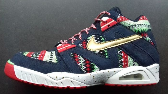 """Nike Tech Challenge - 'Christmas Pack"""" Sneakers - Size: US>8,5 UK>7,5 EUR>42"""