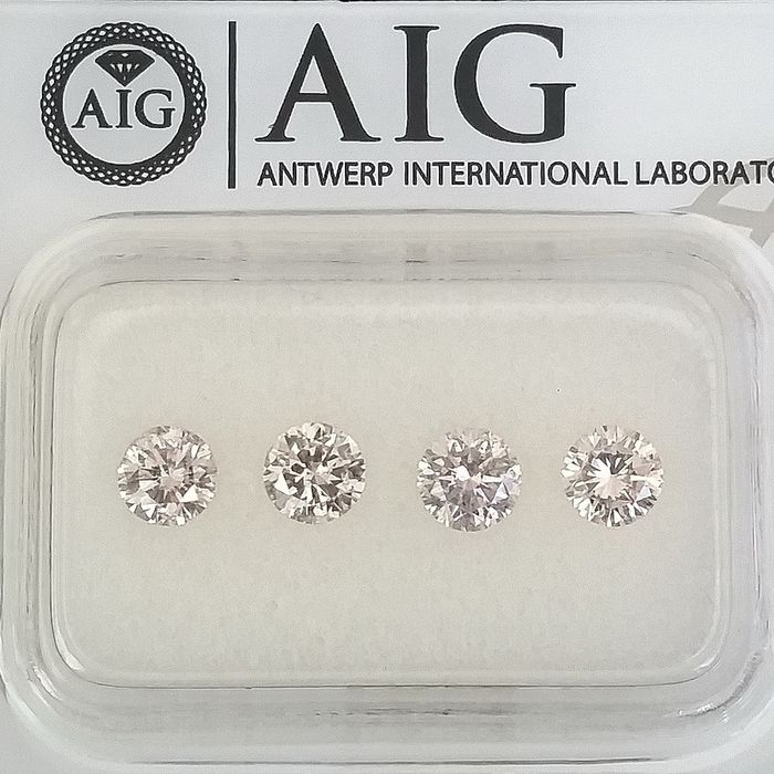4 pcs Diamond - 0.97 ct - Round - Mix Colors - SI1, SI2, SI3, ***No Reserve Price***