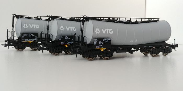 Roco H0 - Uit set 51288 - Goederenwagon - 3 VTG articulated tank wagons - DB